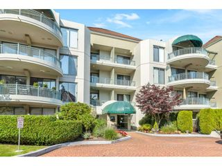 "Photo 1: 204 1765 MARTIN Drive in Surrey: Sunnyside Park Surrey Condo for sale in ""SOUTHWYND"" (South Surrey White Rock)  : MLS®# R2480960"