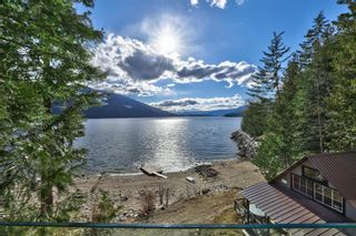 Photo 8: 5846 Sunnybrae-Canoe Point Road, in Tappen: House for sale : MLS®# 10240711
