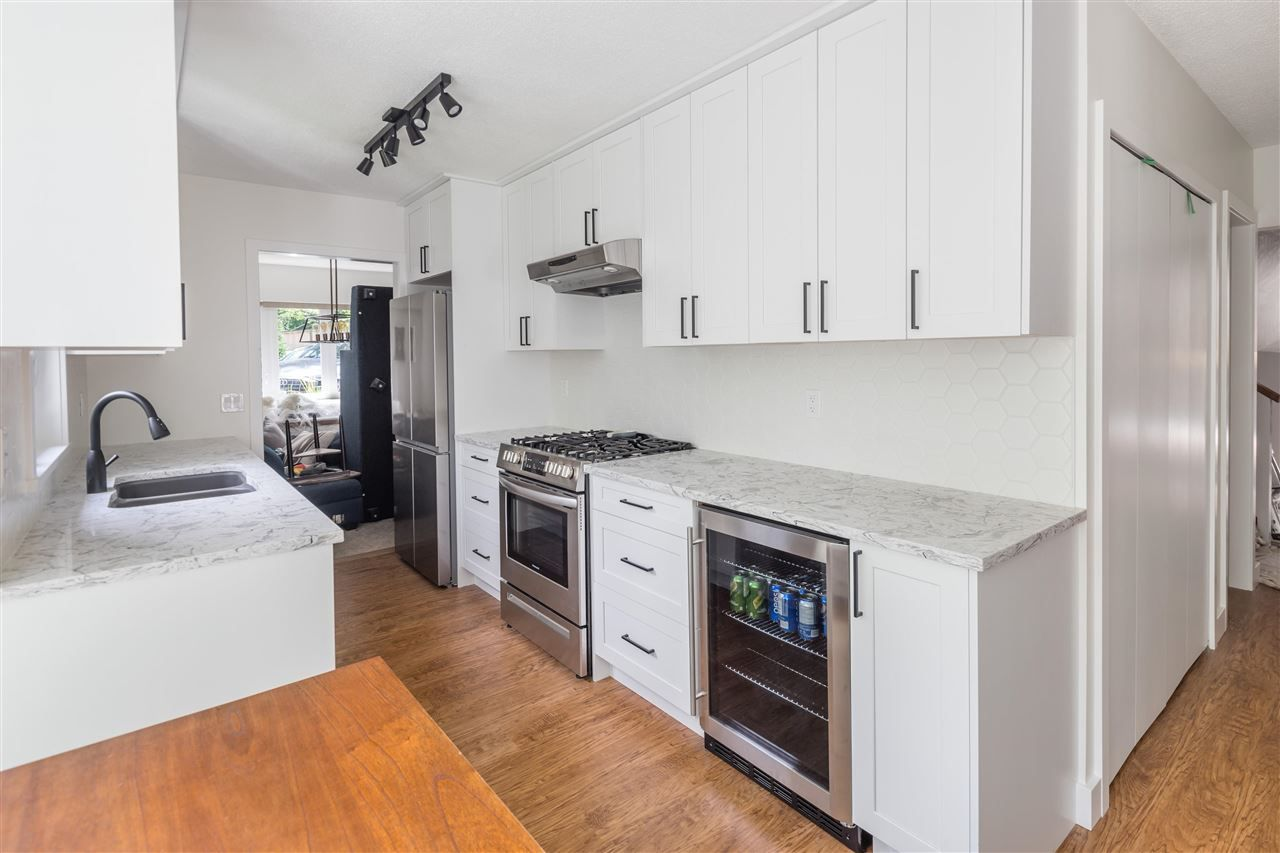 Photo 2: Photos: 1314 MOUNTAIN Highway in North Vancouver: Westlynn House for sale : MLS®# R2572041