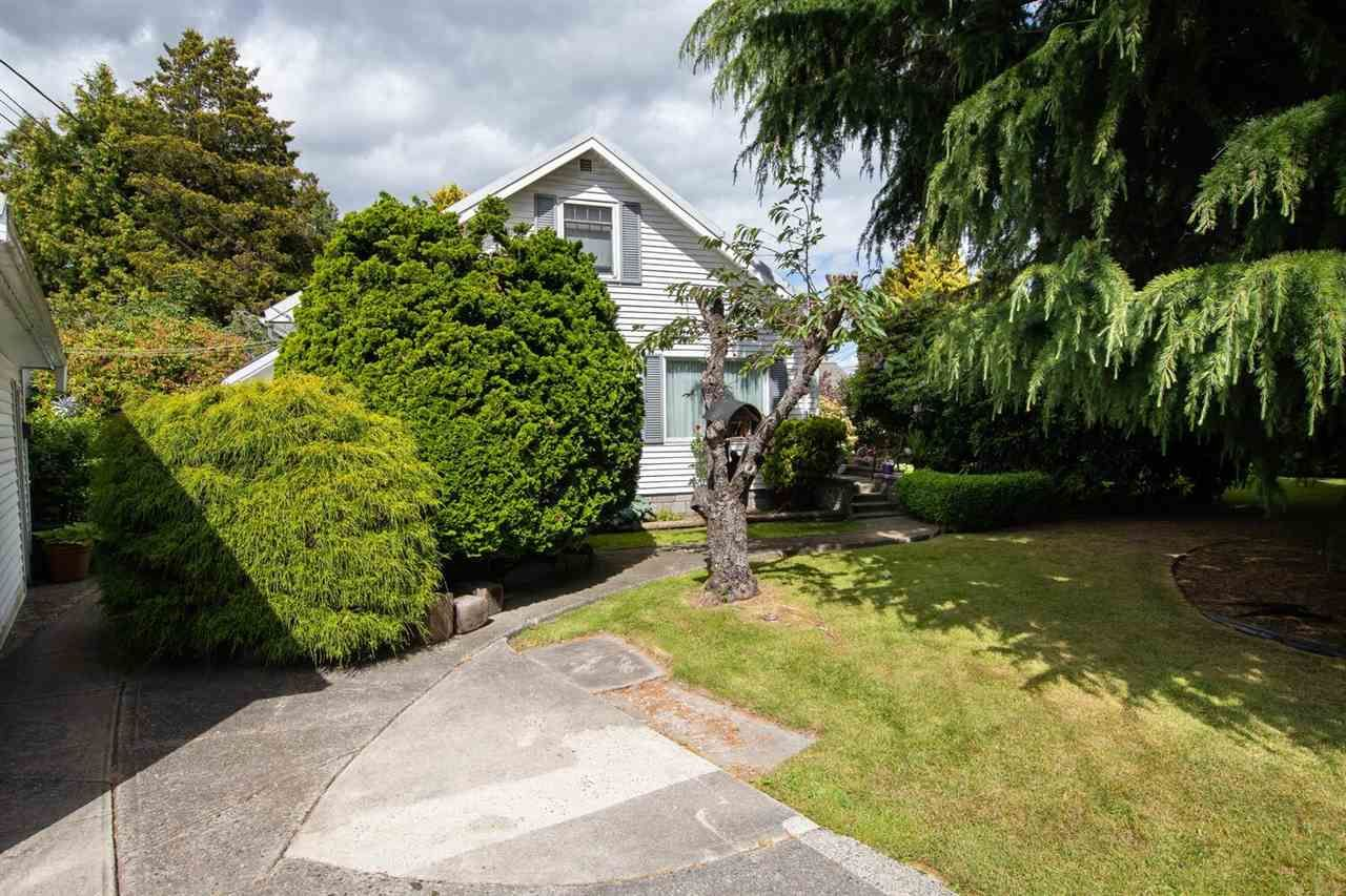 Main Photo: 5065 CENTRAL Avenue in Delta: Hawthorne House for sale (Ladner)  : MLS®# R2591978