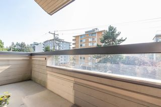 "Photo 11: 414 1363 CLYDE Avenue in West Vancouver: Ambleside Condo for sale in ""PLACE FOURTEEN"" : MLS®# R2504300"