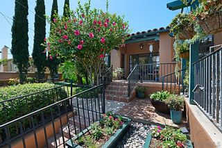 Photo 5: House for sale : 2 bedrooms : 1414 Edgemont St in San Diego