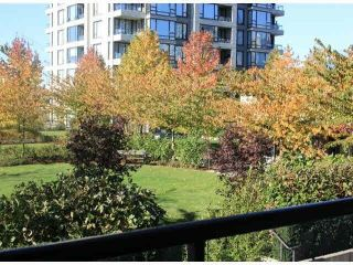 "Photo 4: 403 4178 DAWSON Street in Burnaby: Brentwood Park Condo for sale in ""Tandem II"" (Burnaby North)  : MLS®# R2551846"