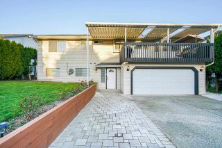 Photo 1: 5649 192 Street in Surrey: Cloverdale BC House for sale (Cloverdale)  : MLS®# R2574982