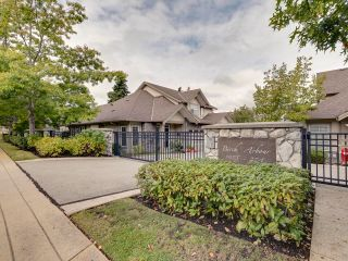 """Photo 2: 4 15075 27A Avenue in Surrey: Sunnyside Park Surrey Townhouse for sale in """"Birch Arbour"""" (South Surrey White Rock)  : MLS®# R2620419"""