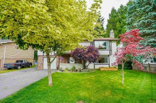 Photo 3: 20145 44 Avenue in Langley: Langley City House for sale : MLS®# R2591036