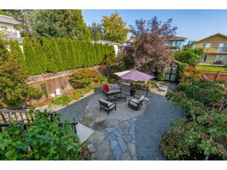 """Photo 39: 866 STEVENS Street: White Rock House for sale in """"west view"""" (South Surrey White Rock)  : MLS®# R2505074"""