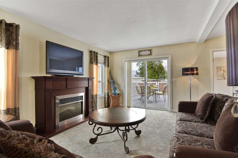 FEATURED LISTING: 51 - 2120 KING GEORGE Boulevard Surrey