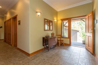 Photo 4: 42047 GOVERNMENT Road in Squamish: Brackendale House for sale : MLS®# R2151176