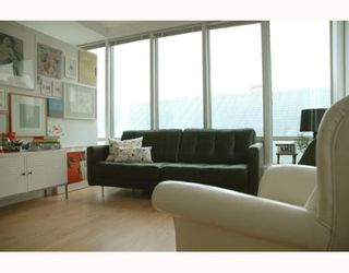 """Photo 3: 989 NELSON Street in Vancouver: Downtown VW Condo for sale in """"THE ELECTRA"""" (Vancouver West)  : MLS®# V639225"""