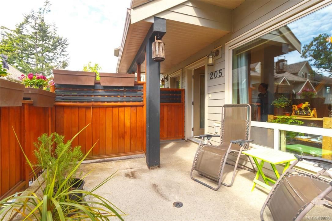 Photo 17: Photos: 205 785 Station Ave in Langford: La Langford Proper Row/Townhouse for sale : MLS®# 839939