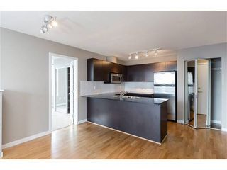 Photo 2: : Burnaby Condo for rent : MLS®# AR103