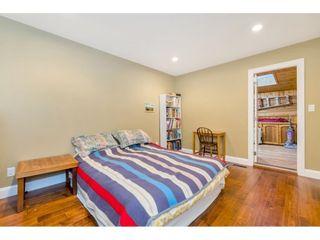 "Photo 15: 15348 VICTORIA Avenue: White Rock House for sale in ""White Rock"" (South Surrey White Rock)  : MLS®# R2579502"