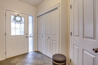 Photo 3: 174 EVERWILLOW Close SW in Calgary: Evergreen House for sale : MLS®# C4130951