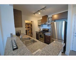 """Photo 5: 418 6033 KATSURA Street in Richmond: McLennan North Condo for sale in """"THE RED"""" : MLS®# V722680"""