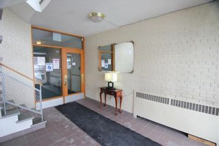 Photo 2: 22 1700 Taylor Avenue in Winnipeg: River Heights South Condominium for sale (1D)  : MLS®# 202101049