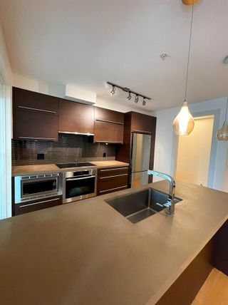 """Photo 3: 304 4463 W 10TH Avenue in Vancouver: Point Grey Condo for sale in """"West Point Grey"""" (Vancouver West)  : MLS®# R2567933"""