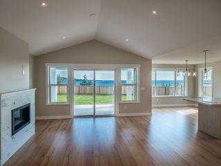 Photo 11: 5636 DERBY Road in Sechelt: Sechelt District House for sale (Sunshine Coast)  : MLS®# R2539353