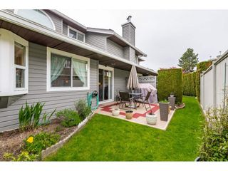 """Photo 19: 6139 W BOUNDARY Drive in Surrey: Panorama Ridge Townhouse for sale in """"LAKEWOOD GARDENS"""" : MLS®# R2452648"""