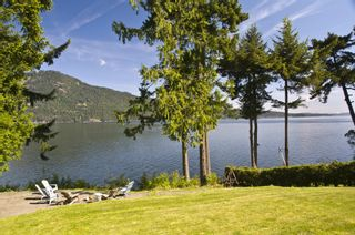 Photo 1: 648 Lands End Rd in North Saanich: NS Deep Cove House for sale : MLS®# 322039