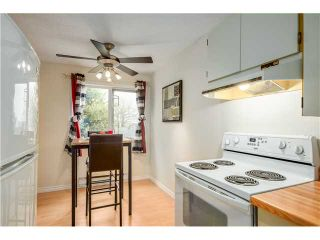 """Photo 7: 307 620 BLACKFORD Street in New Westminster: Uptown NW Condo for sale in """"DEERWOOD COURT"""" : MLS®# V1055259"""