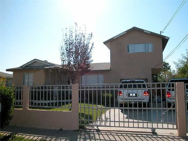 Main Photo: EAST ESCONDIDO House for sale : 3 bedrooms : 903 Goldenrod in Escondido