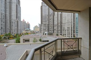 Photo 14: 16 3880 Duke Of York Boulevard in Mississauga: City Centre Condo for sale : MLS®# W2811487
