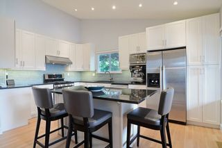 Photo 3: 296 MARINER Way in Coquitlam: Coquitlam East House for sale : MLS®# R2079953