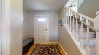 Photo 2: 1216 MCKINNEY Court in Edmonton: Zone 14 House for sale : MLS®# E4232719
