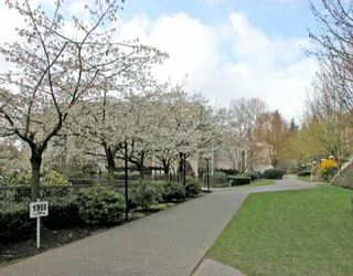 """Photo 10: 215 1955 WOODWAY Place in Burnaby: Brentwood Park Condo for sale in """"DOUGLAS VIEW"""" (Burnaby North)  : MLS®# V995901"""