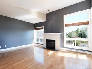 Photo 4: 3 1827 Fairfield Rd in Victoria: Vi Fairfield East Row/Townhouse for sale : MLS®# 842398