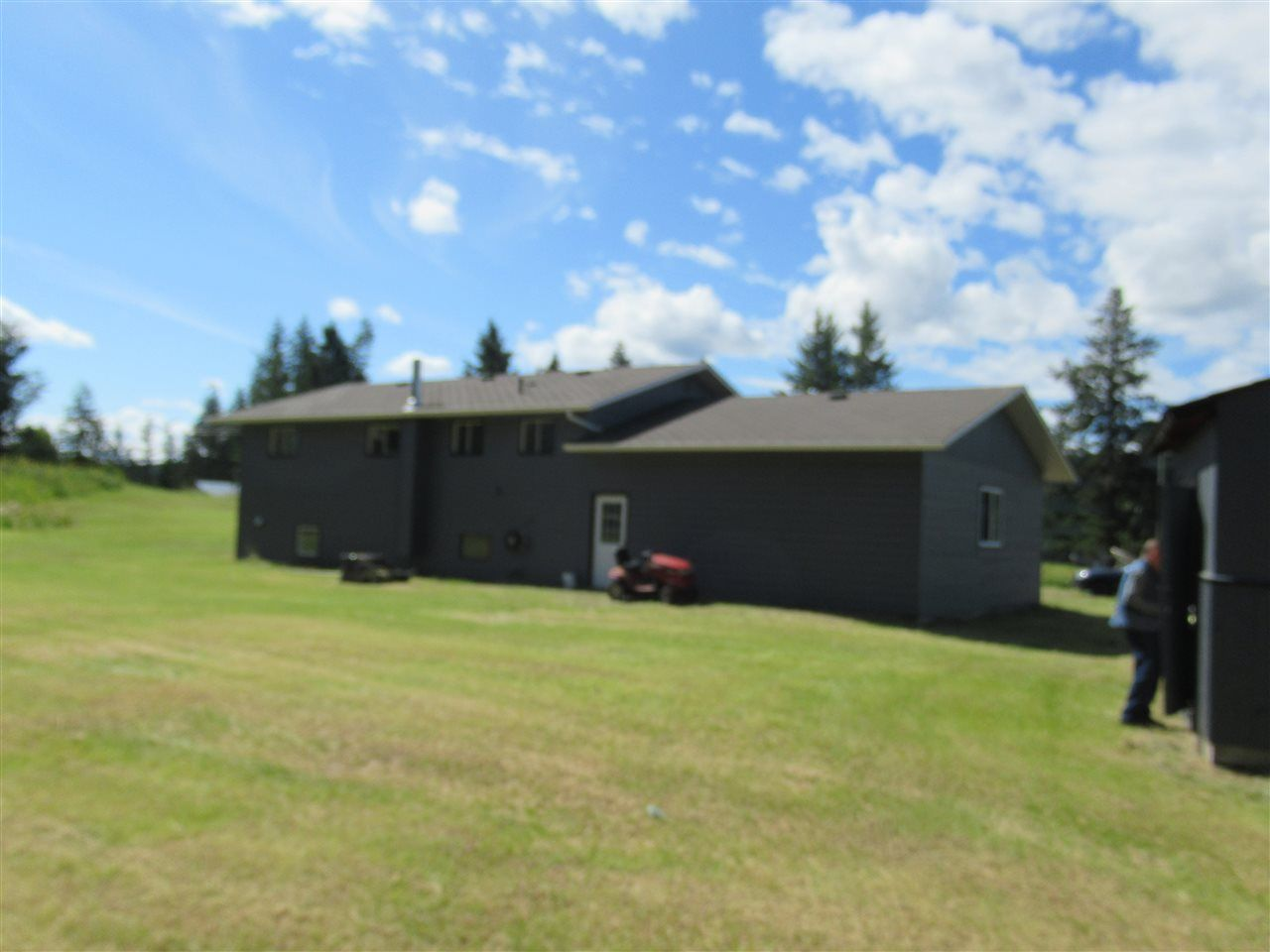 Photo 4: Photos: 3257 HINSCHE Road in Williams Lake: Williams Lake - Rural East House for sale (Williams Lake (Zone 27))  : MLS®# R2477340