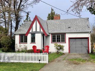 Photo 1: 2024 Newton St in : OB Henderson House for sale (Oak Bay)  : MLS®# 870494