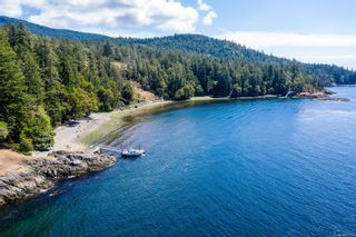 Photo 1: 230 Smith Rd in : GI Salt Spring House for sale (Gulf Islands)  : MLS®# 851563