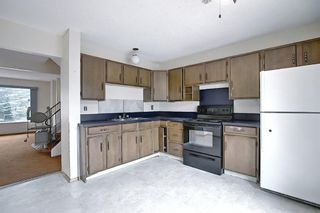 Photo 16: 329 Woodvale Crescent SW in Calgary: Woodlands Semi Detached for sale : MLS®# A1093334