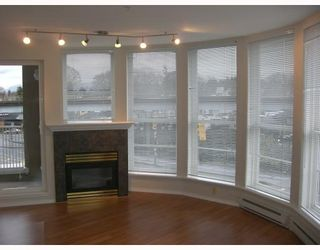 "Photo 1: 306 1688 E 8TH Avenue in Vancouver: Grandview VE Condo for sale in ""LA RESIDENZA"" (Vancouver East)  : MLS®# V743696"