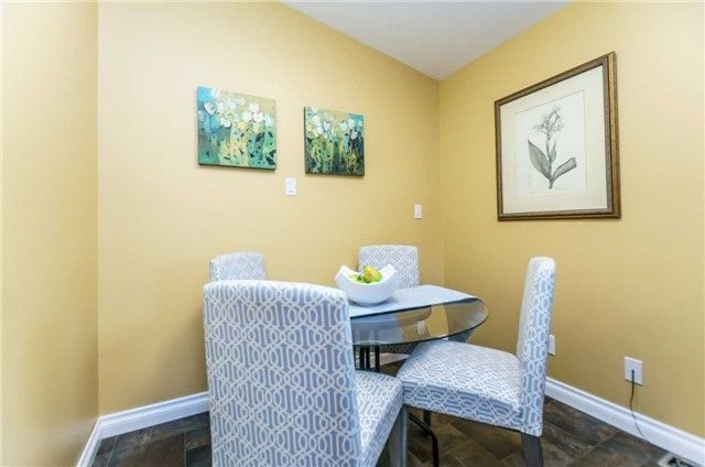 Photo 8: Photos: 140 Fenside Drive in Toronto: Parkwoods-Donalda House (Bungalow) for sale (Toronto C13)  : MLS®# C4189214