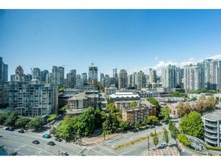 Photo 3: 1805 193 AQUARIUS Mews in Vancouver: Yaletown Condo for sale (Vancouver West)  : MLS®# R2487732