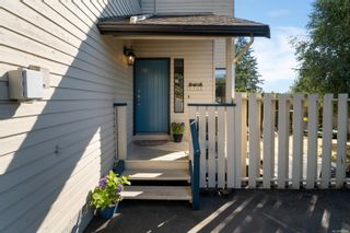 Photo 2: 1401 Hastings St in : SW Strawberry Vale House for sale (Saanich West)  : MLS®# 885984