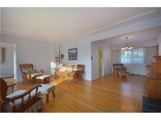 "Photo 3: 3915 WILLIAM Street in Burnaby: Willingdon Heights House for sale in ""WILLINGTON HEIGHTS"" (Burnaby North)  : MLS®# V986116"