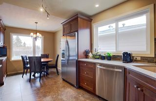 Photo 10: 731 45 Street SW in Calgary: Westgate Detached for sale : MLS®# A1092101