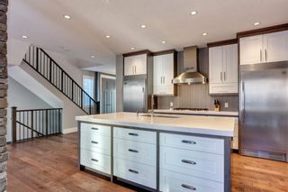 Photo 10: 18 ASPEN DALE Court SW in Calgary: Aspen Woods Detached for sale : MLS®# C4280812