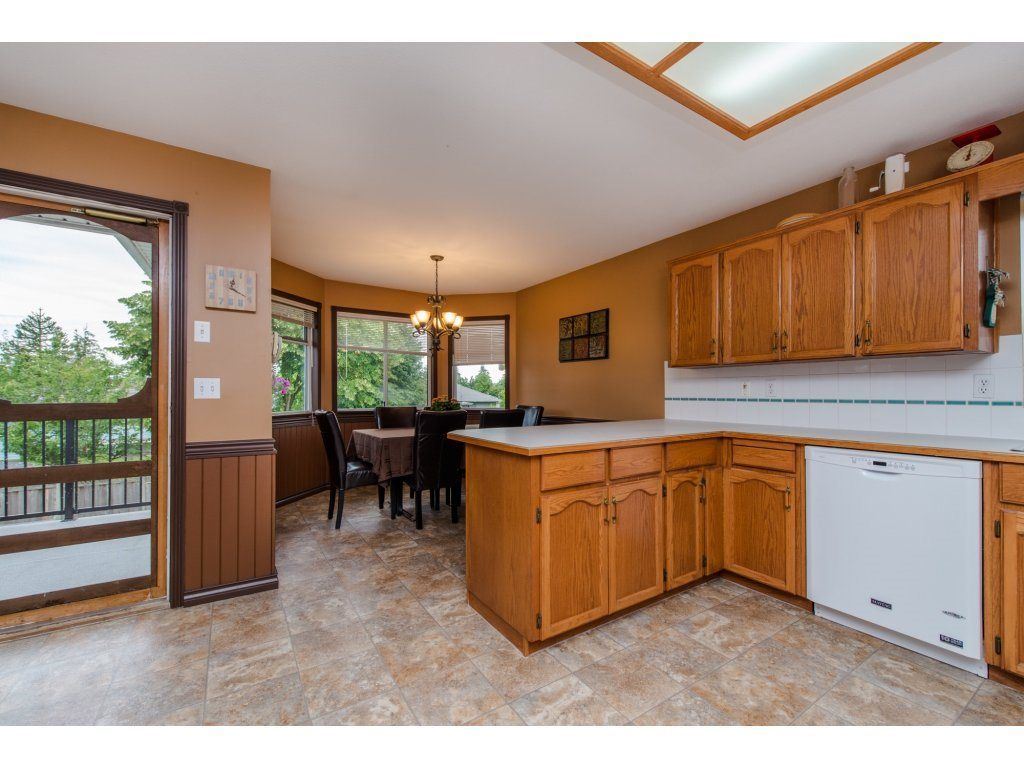 """Photo 12: Photos: 27091 24A Avenue in Langley: Aldergrove Langley House for sale in """"South Aldergrove"""" : MLS®# R2080123"""
