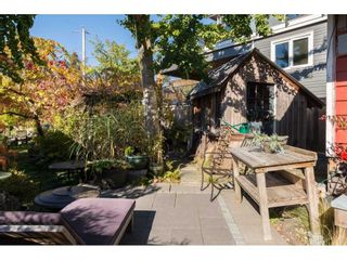 Photo 9: 952 PARKER Street: White Rock House for sale (South Surrey White Rock)  : MLS®# R2114907