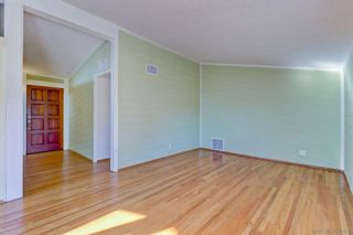 Photo 3: SAN DIEGO House for sale : 3 bedrooms : 5389 Waring Road