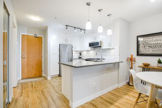 "Photo 6: 212 2181 W 12TH Avenue in Vancouver: Kitsilano Condo for sale in ""The Carlings"" (Vancouver West)  : MLS®# R2561909"