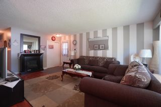 Photo 2: 70 14th Street NW in Portage la Prairie: House for sale : MLS®# 202116288
