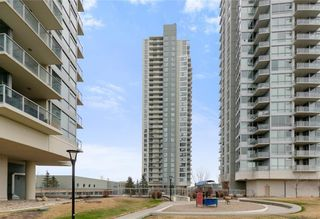 Photo 2: 3002 99 SPRUCE Place SW in Calgary: Spruce Cliff Apartment for sale : MLS®# A1011022