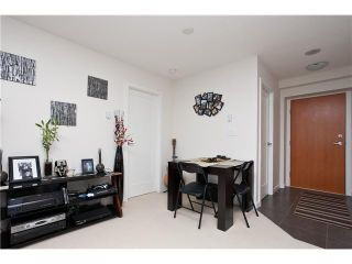 """Photo 3: 1204 1 RENAISSANCE Square in New Westminster: Quay Condo for sale in """"THE Q"""" : MLS®# V867998"""