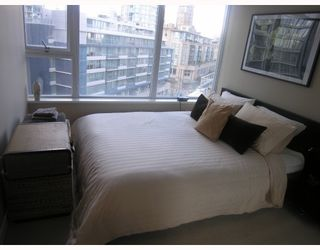 Photo 4: 906 688 ABBOTT Street in Vancouver: Downtown VW Condo for sale (Vancouver West)  : MLS®# V788314
